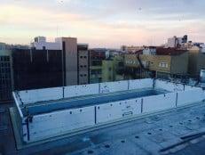 Transparent swimming pool installation