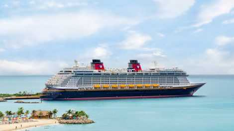 Dream Cruise Ship at Bahamas - Dream Cruise Ship at Bahamas