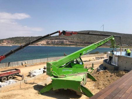 2 Crane Use for Pool Panel installation