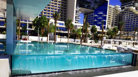 Infinity Swimming Pool Transparent Walls - Infinity Swimming Pool Transparent Walls
