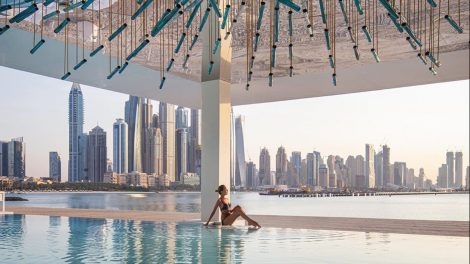Infinity Swimming Pool Transparent Walls